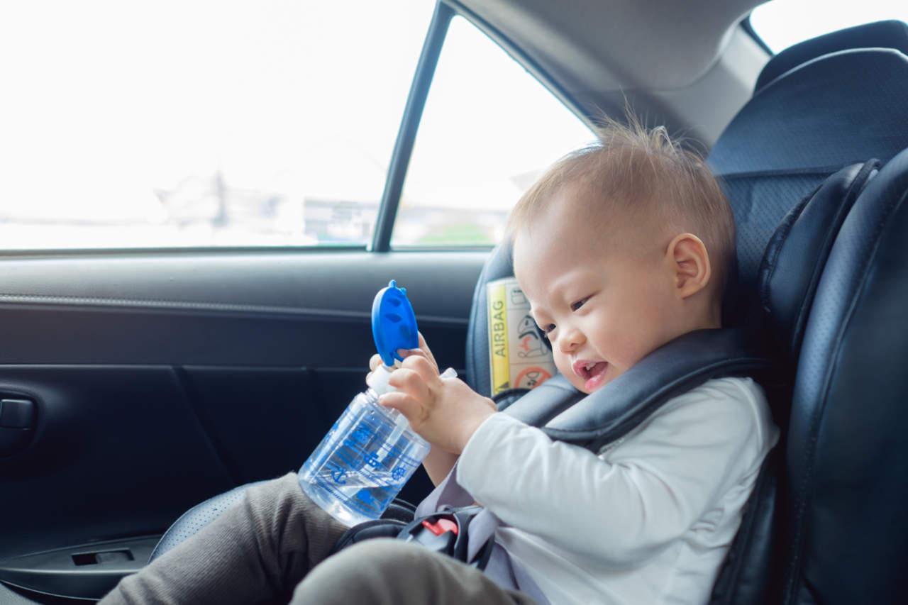 Come trasportare i bambini in auto